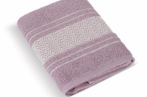 Froté ručník v barvě burgundy .....